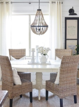Luxurious Small Dining Room Decorating Ideas 06