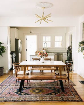 Luxurious Small Dining Room Decorating Ideas 08
