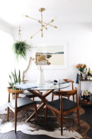 Luxurious Small Dining Room Decorating Ideas 21