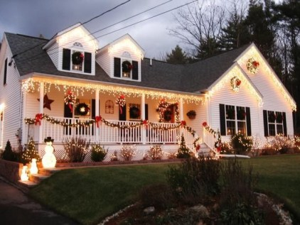 Marvelous Outdoor Lights Ideas For Christmas Decorations 30