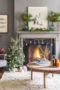 Minimalist Christmas Tree Ideas For Living Room Décor 08