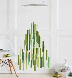Minimalist Christmas Tree Ideas For Living Room Décor 36