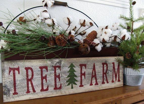 Minimalist Christmas Tree Ideas For Living Room Décor 39