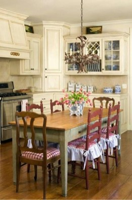 Newest French Country Kitchen Decoration Ideas 08
