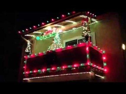 Popular Apartment Balcony For Christmas Décor Ideas 11