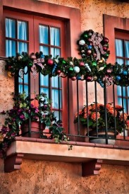 Popular Apartment Balcony For Christmas Décor Ideas 26