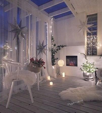 Popular Apartment Balcony For Christmas Décor Ideas 31
