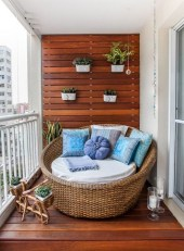 Popular Apartment Balcony For Christmas Décor Ideas 37