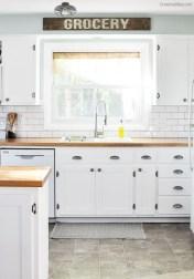 Pretty Farmhouse Kitchen Makeover Ideas On A Budget 08