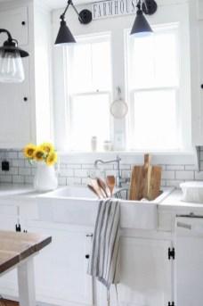 Pretty Farmhouse Kitchen Makeover Ideas On A Budget 23