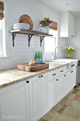 Pretty Farmhouse Kitchen Makeover Ideas On A Budget 36