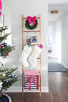Stunning Fireplace Mantel Decor For Christmas Ideas 07