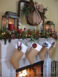 Stunning Fireplace Mantel Decor For Christmas Ideas 28