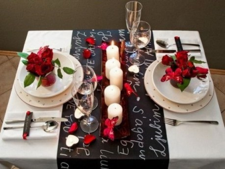 Cheap Valentine Table Decoration Ideas40