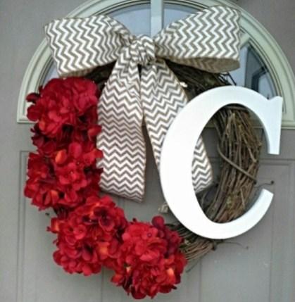 Inspiring Exterior Decoration Ideas For Valentines Day08
