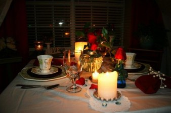 Magnificient Valentines Day Table Decorating Ideas17