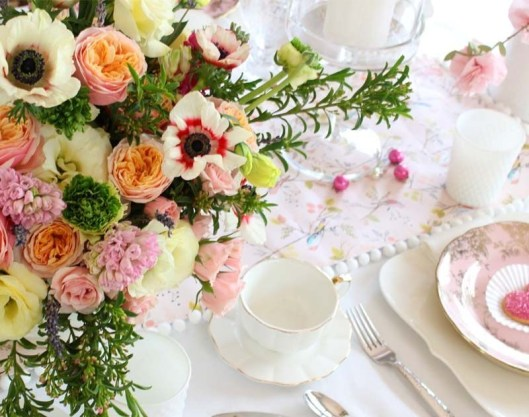 Magnificient Valentines Day Table Decorating Ideas42