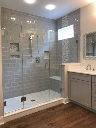 Minimalist Master Bathroom Remodel Ideas38