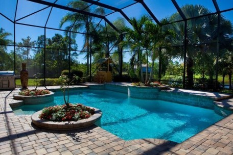 Amazing Glass Pool Design Ideas For Home01