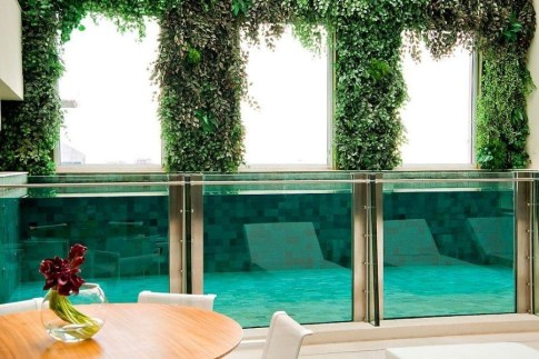 Amazing Glass Pool Design Ideas For Home17