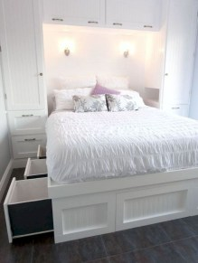 Brilliant Small Master Bedroom Ideas21
