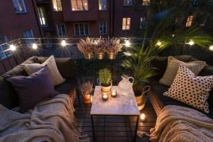 Enchanting Apartment Balcony Decorating Ideas32
