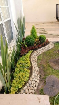 Minimalist Front Yard Landscaping Ideas On A Budget42