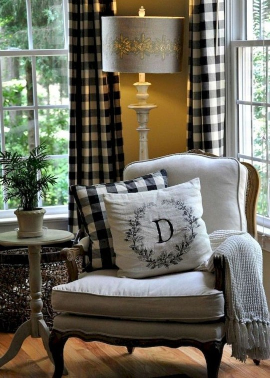 Pretty French Country Living Room Design Ideas13