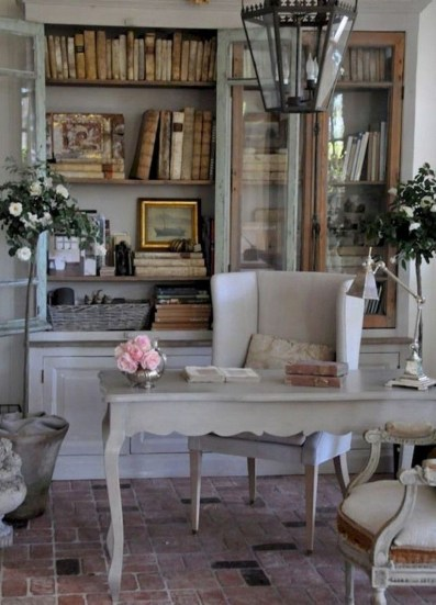 Pretty French Country Living Room Design Ideas37