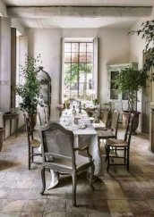 Wonderful French Country Dining Room Table Decor Ideas37