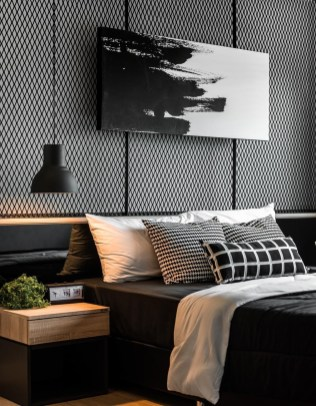 Amazing Black Bedroom Design Ideas For Home07