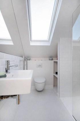 Fascinating Small Attic Bathroom Design Ideas15