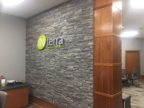 Impressive Stone Veneer Wall Design Ideas38