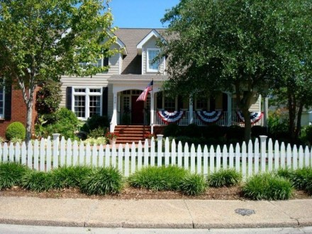 Awesome Small Garden Fence Ideas01