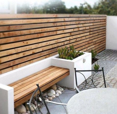 Awesome Small Garden Fence Ideas15