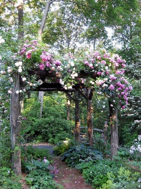 Awesome Small Garden Fence Ideas34