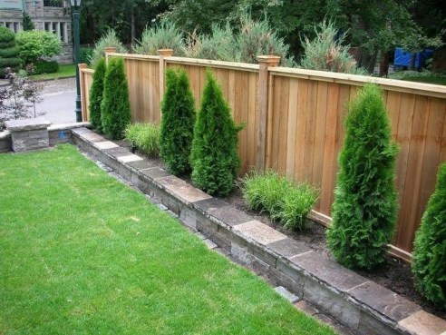 Awesome Small Garden Fence Ideas41