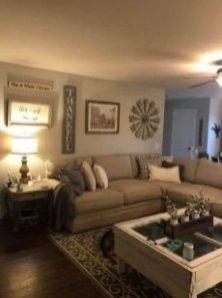 Beautiful Farmhouse Living Room Decor Ideas40