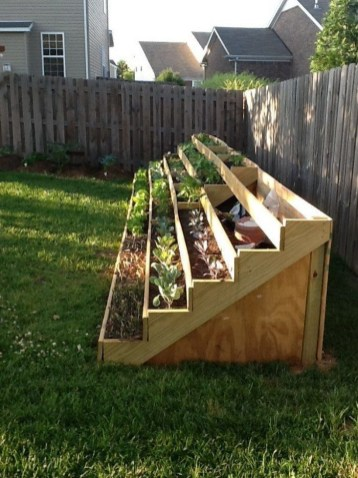 Brilliant Vertical Gardening Ideas27