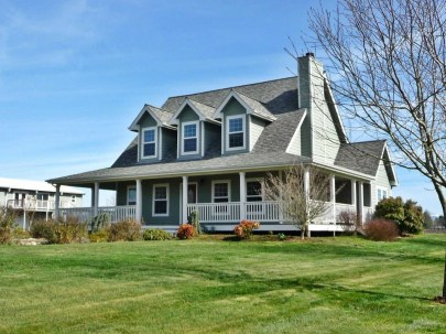Creative Farmhouse House Plans Ideas With Wrap Around Porch45