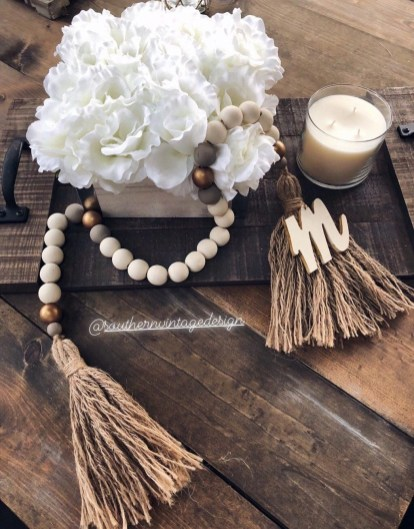 Elegant Antique Farmhouse Decoration Ideas For Home01