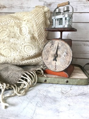 Elegant Antique Farmhouse Decoration Ideas For Home41