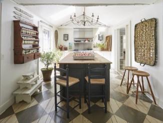 Fabulous Kitchen Decoration Design Ideas With Farmhouse Style22