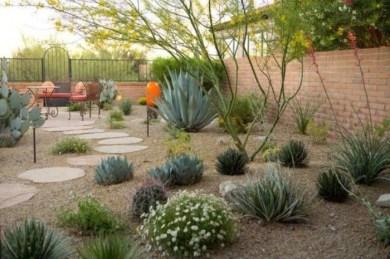Magnificient Gravel Landscaping Design Ideas For Backyard38