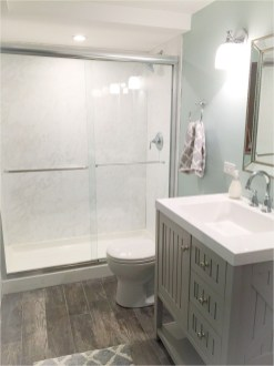 Outstanding Bathroom Makeovers Ideas For Small Space26