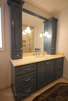 Outstanding Bathroom Makeovers Ideas For Small Space34