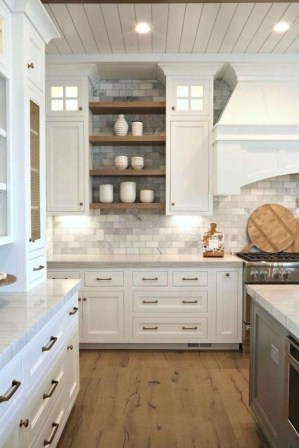 Popular Farmhouse Kitchen Art Ideas To Scale Up Your Kitchen07