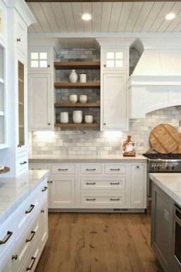 Popular Farmhouse Kitchen Art Ideas To Scale Up Your Kitchen18