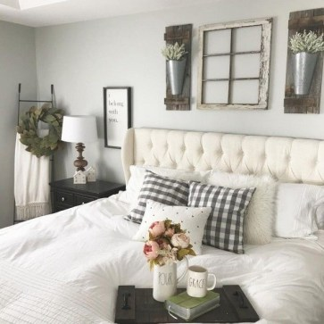 Smart Bedroom Decor Ideas With Farmhouse Style08