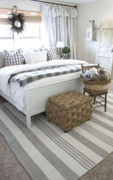 Smart Bedroom Decor Ideas With Farmhouse Style35